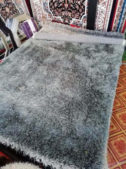 Shaggy Carpet 1.5 by 2 Meter